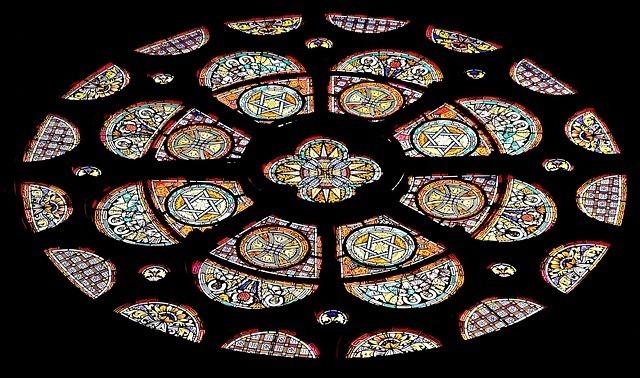 church-window-1843900_640.jpg