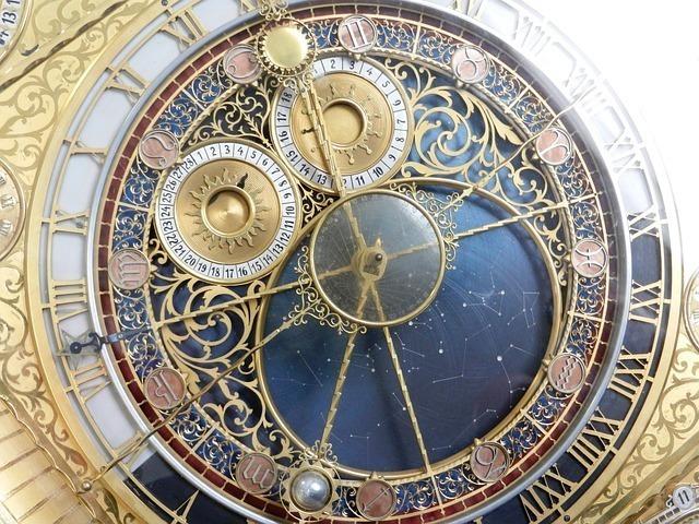 clock-2050857_640.jpg