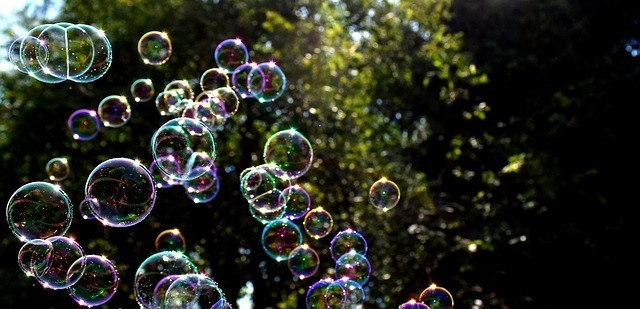 soap-bubbles-2417438_640.jpg
